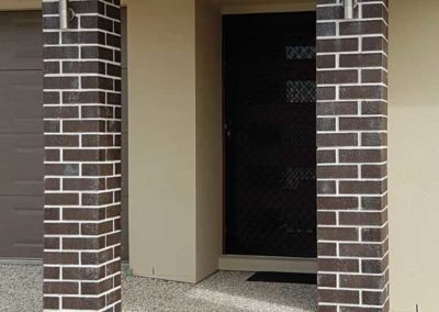 Entrance pillars with Bricklayers White Cement